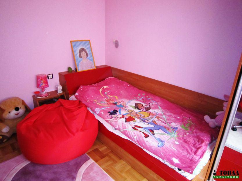 Червено детско легло с ракла