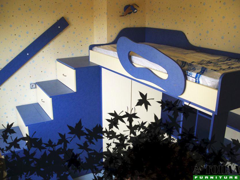 Детско на два етажа в синьо и жълто