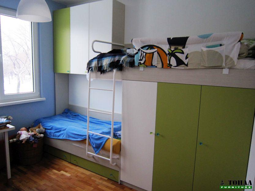 Легло на два етажа със стълбичка