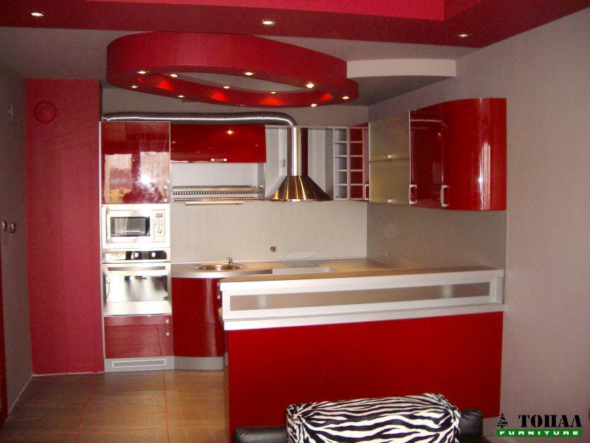 Червена кухня гланц с барплот