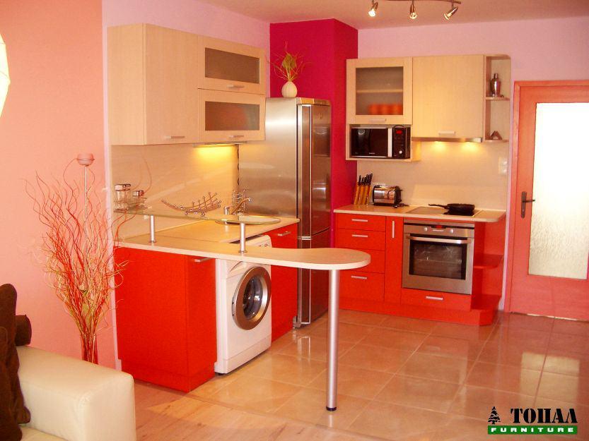 Свежа кухня в оранж и розово
