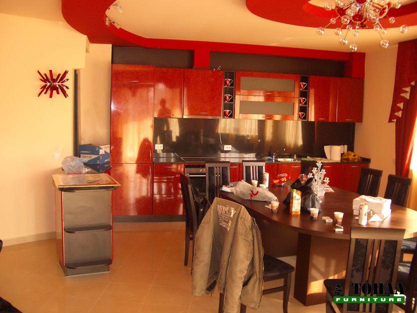 Дизайн на червена кухня