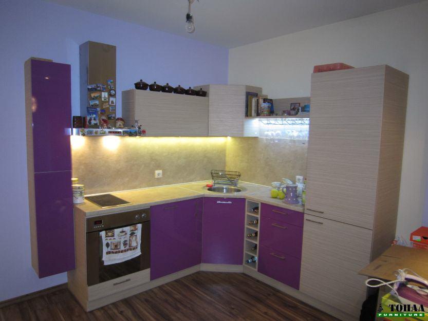 Кухненски ниски горни шкафове в зебрано и лилаво