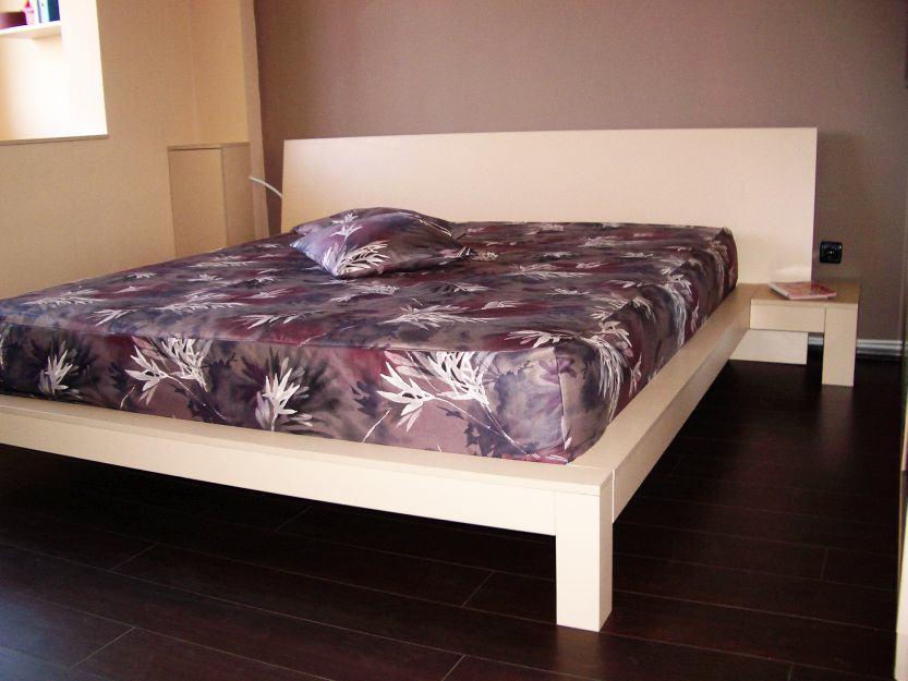 Производство на спалня по поръчка с борд