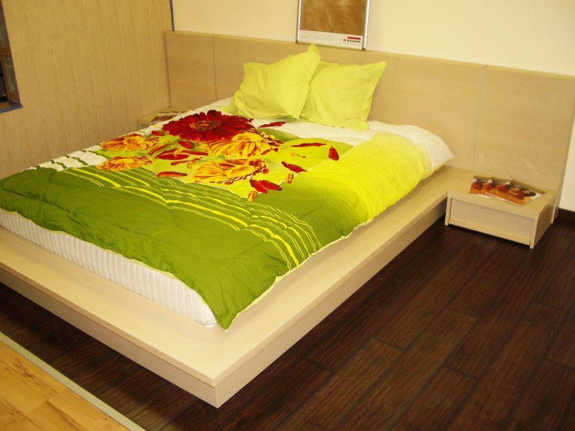 Спалня висяща с борд избелен дъб