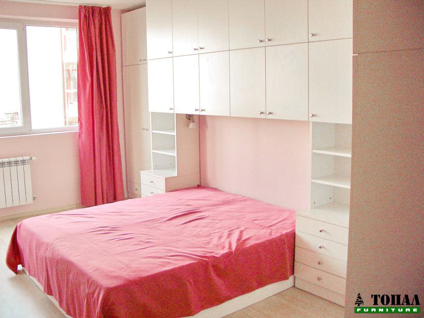 Шкафове над спалня и над легло